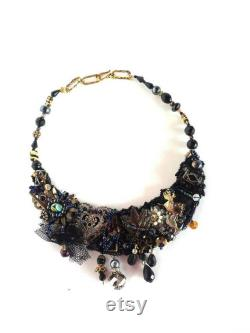 Black beaded baroque necklace