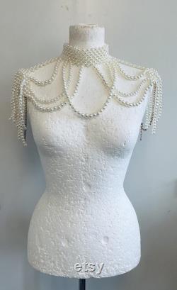 Victorian shoulder pearl wedding accessories.